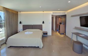 Luxury Sea View Suite (1st Floor)